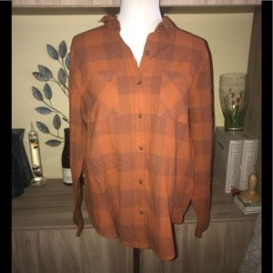 ❤️3 for $28❤️ Universal Thread Button Down 1862